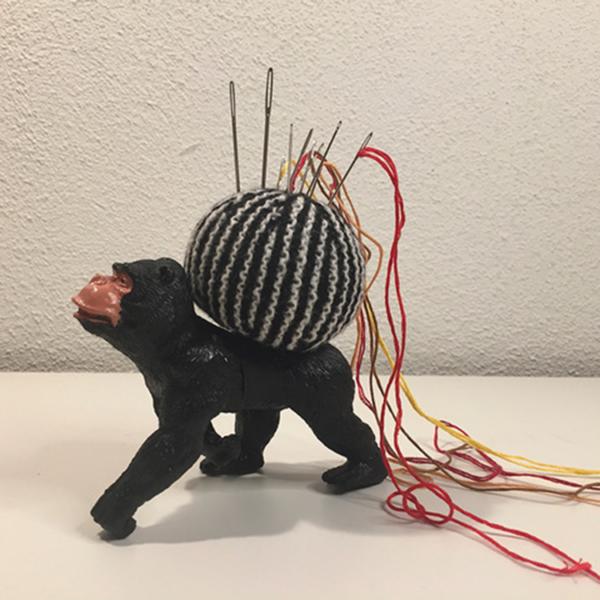 Nåledyr gorilla m lang tråd